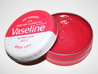 rosy-lips-vaseline-lip-therapy